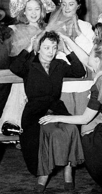 Edith Piaf - Petite Singer